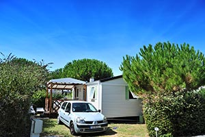 Mobile home rental at Parc de Bellevue campsite